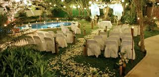 La tendencia de celebrar bodas al aire libre